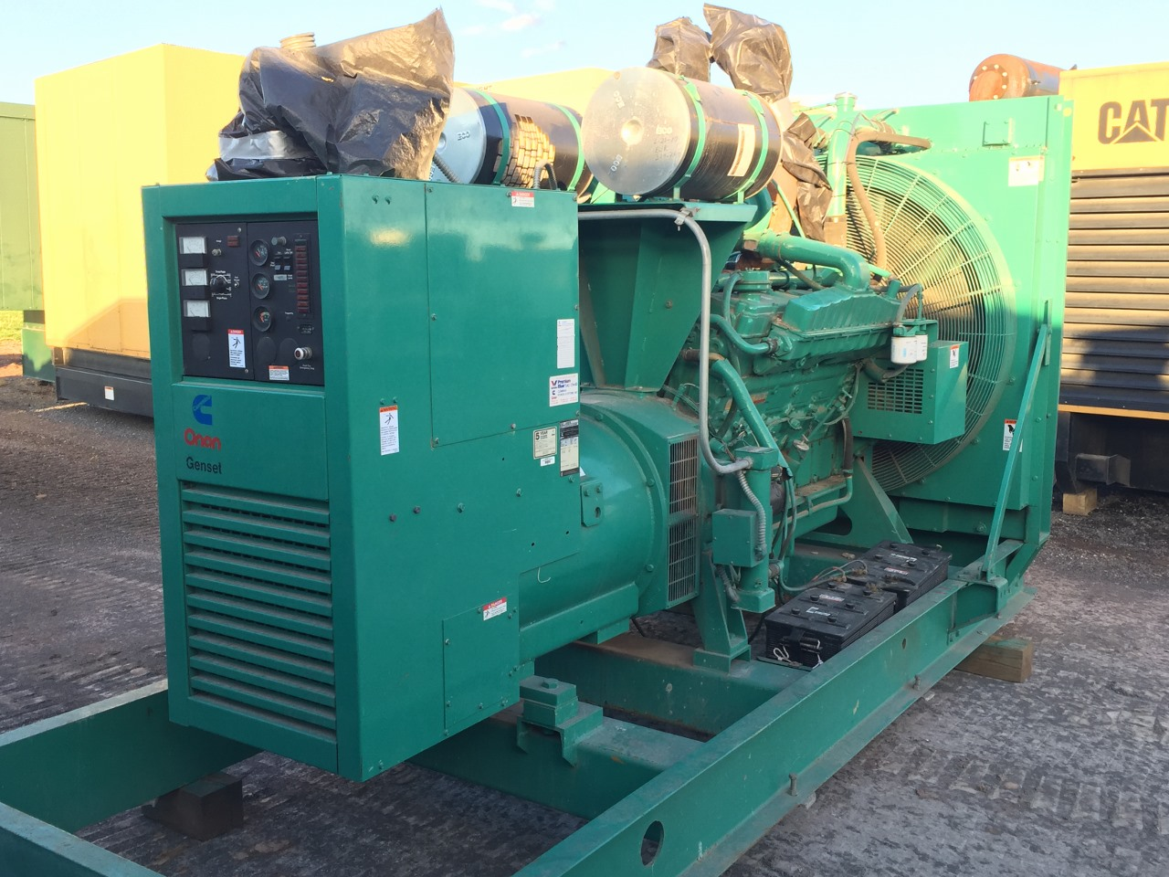 600 Kw Cummins Generator  12 Lead Reconnectable  480 Volt  1  3 Phase