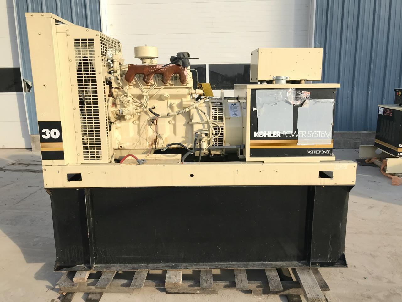 __33 kW Kohler Generator, Base Fuel Tank, 12 Lead Reconnectable, John Deere  Engine